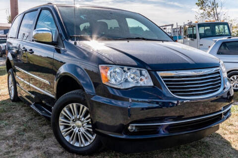 2015 Chrysler Town and Country for sale at Fruendly Auto Source in Moscow Mills MO