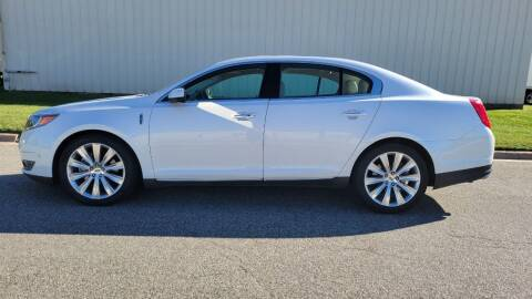 2013 Lincoln MKS for sale at TNK Autos in Inman KS