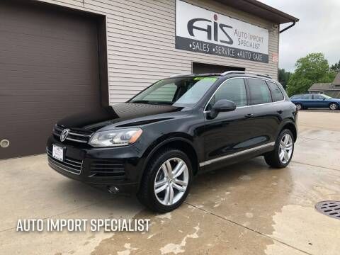 2011 Volkswagen Touareg for sale at Auto Import Specialist LLC in South Bend IN