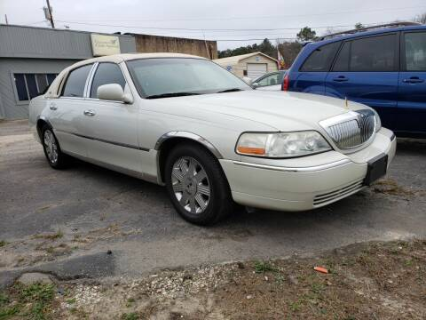 2005 Lincoln Town Car for sale at Plaza Motors in Richmond VA