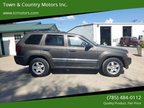2005 Jeep Grand Cherokee for sale at Town & Country Motors Inc. in Meriden KS