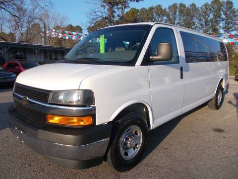 2018 Chevrolet Express Passenger for sale at Culpepper Auto Sales in Cullman AL