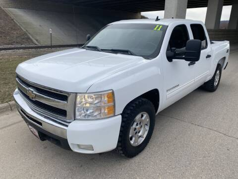 2011 Chevrolet Silverado 1500 for sale at Apple Auto in La Crescent MN