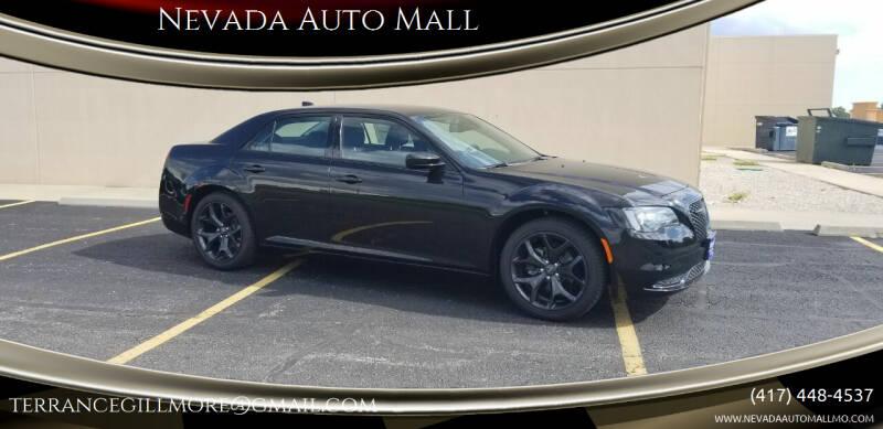 2021 Chrysler 300 for sale in Nevada, MO