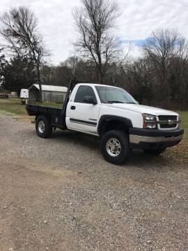 2004 Chevrolet Silverado 2500HD for sale at BARROW MOTORS in Caddo Mills TX