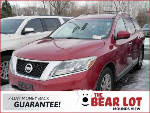 2015 Nissan Pathfinder for sale at Rydell Auto Outlet in Mounds View MN