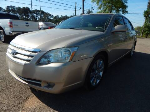 2005 Toyota Avalon for sale at Medford Motors Inc. in Magnolia TX