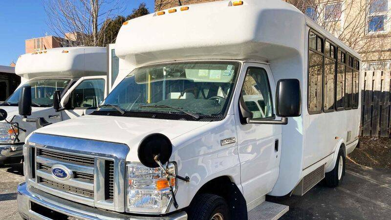 2015 Ford E-Series Chassis for sale in Valders, WI