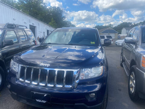 2012 Jeep Grand Cherokee for sale at Whiting Motors in Plainville CT