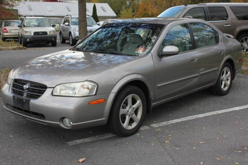 2000 Nissan Maxima for sale at Auto Bahn Motors in Winchester VA