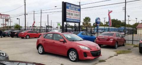 2013 Mazda MAZDA3 for sale at S.A. BROADWAY MOTORS INC in San Antonio TX