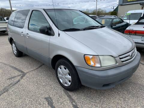 2001 Toyota Sienna for sale at 51 Auto Sales Ltd in Portage WI