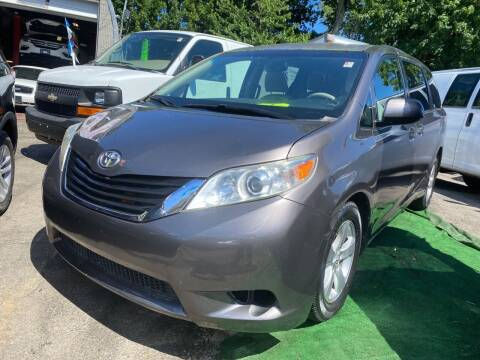 2013 Toyota Sienna for sale at Drive Deleon in Yonkers NY