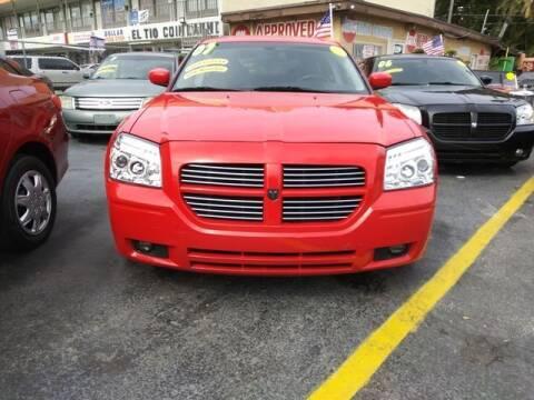 2007 Dodge Magnum for sale at VALDO AUTO SALES in Miami FL