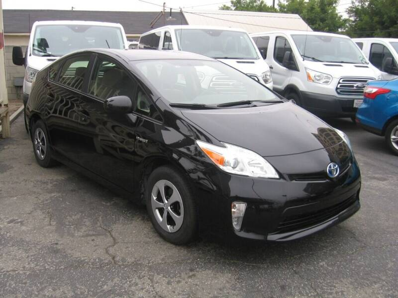 2015 Toyota Prius for sale at In-House Auto Finance in Hawthorne CA