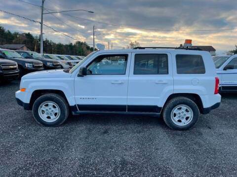 2013 Jeep Patriot for sale at Upstate Auto Sales Inc. in Pittstown NY