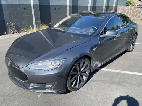 2015 Tesla Model S for sale at APX Auto Brokers in Lynnwood WA