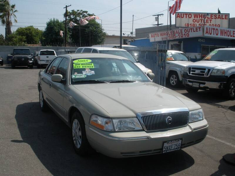 2005 Mercury Grand Marquis for sale at AUTO WHOLESALE OUTLET in North Hollywood CA