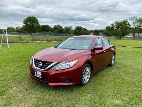 2016 Nissan Altima for sale at LA PULGA DE AUTOS in Dallas TX