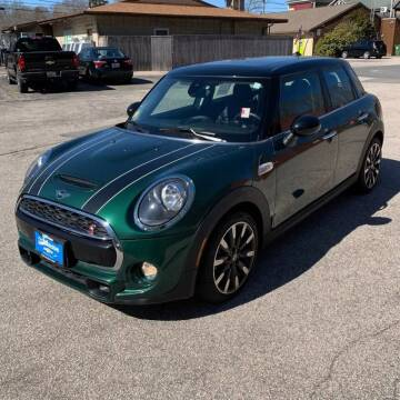 2019 MINI Hardtop 4 Door for sale at Coast to Coast Imports in Fishers IN
