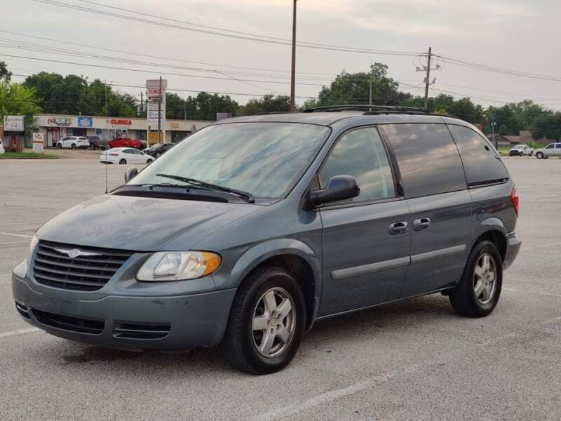 2006 Chrysler Town and Country for sale at Loco Motors in La Porte TX