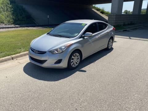 2012 Hyundai Elantra for sale at Apple Auto in La Crescent MN