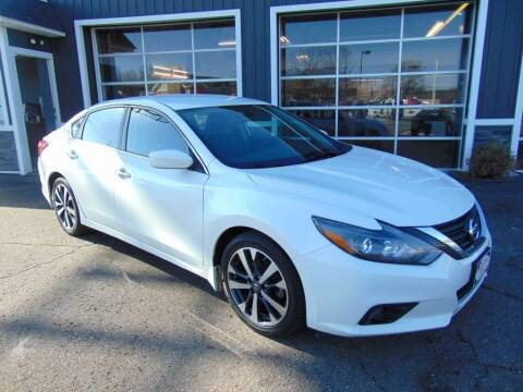 2016 Nissan Altima for sale at Akron Auto Sales in Akron OH