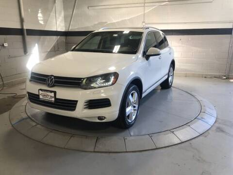 2013 Volkswagen Touareg for sale at Luxury Car Outlet in West Chicago IL