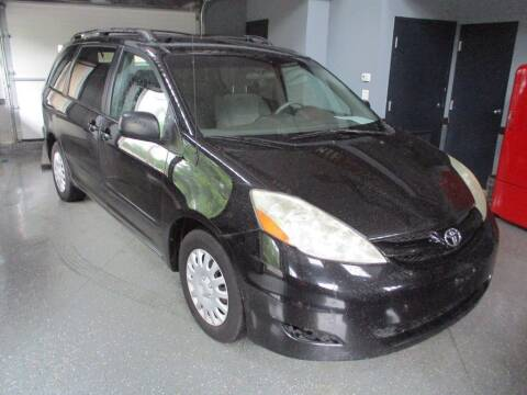 2008 Toyota Sienna for sale at Settle Auto Sales STATE RD. in Fort Wayne IN