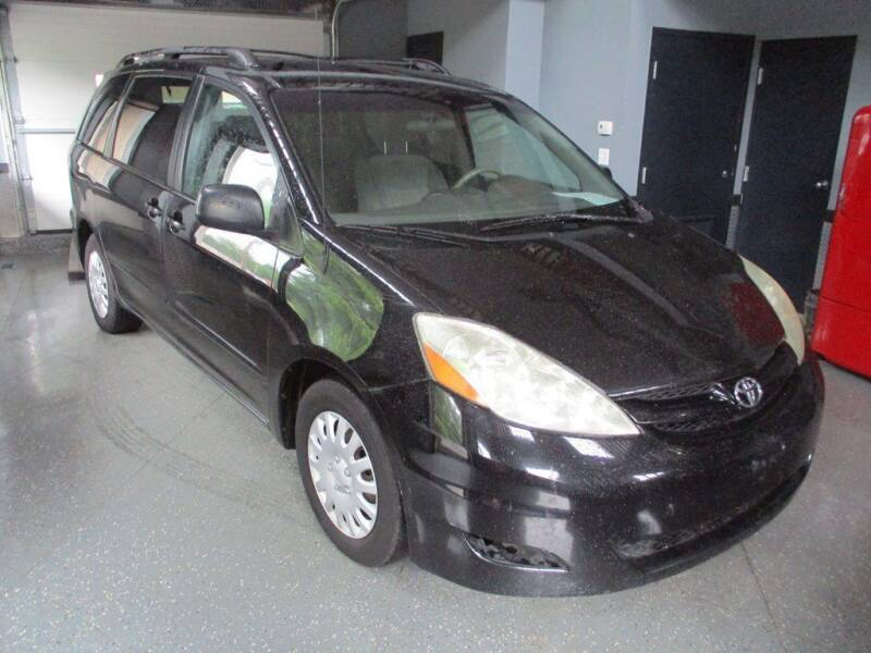 2008 Toyota Sienna for sale at Settle Auto Sales TAYLOR ST. in Fort Wayne IN