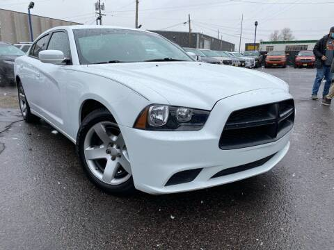 2013 Dodge Charger for sale at New Wave Auto Brokers & Sales in Denver CO