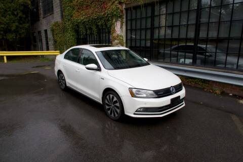 2015 Volkswagen Jetta for sale at Apple Auto Sales Inc in Camillus NY