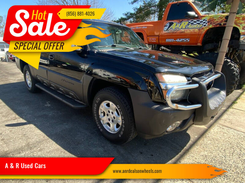 2005 Chevrolet Avalanche for sale at A & R Used Cars in Clayton NJ