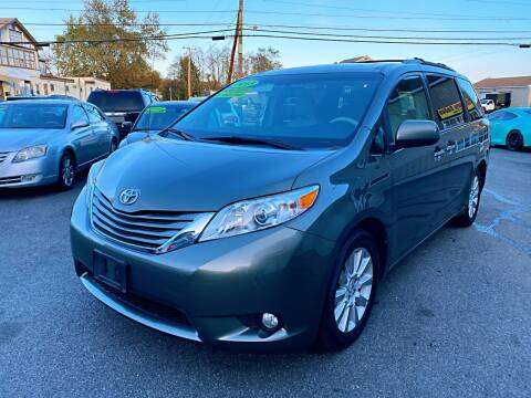2013 Toyota Sienna for sale at Dijie Auto Sale and Service Co. in Johnston RI