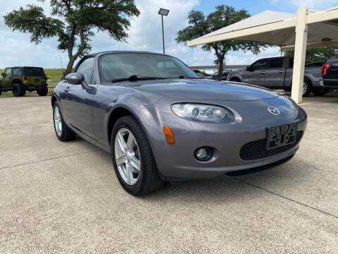 2006 Mazda MX-5 Miata for sale at Thornhill Motor Company in Hudson Oaks, TX