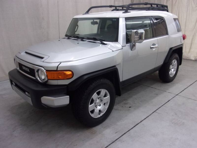 2007 Toyota FJ Cruiser for sale at Paquet Auto Sales in Madison OH