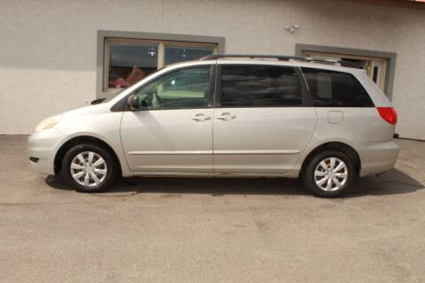 2008 Toyota Sienna for sale at Epic Auto in Idaho Falls ID