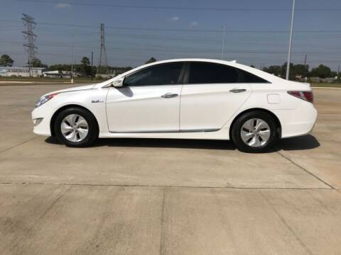 2014 Hyundai Sonata Hybrid for sale at ALL AMERICAN FINANCE AND AUTO in Houston TX