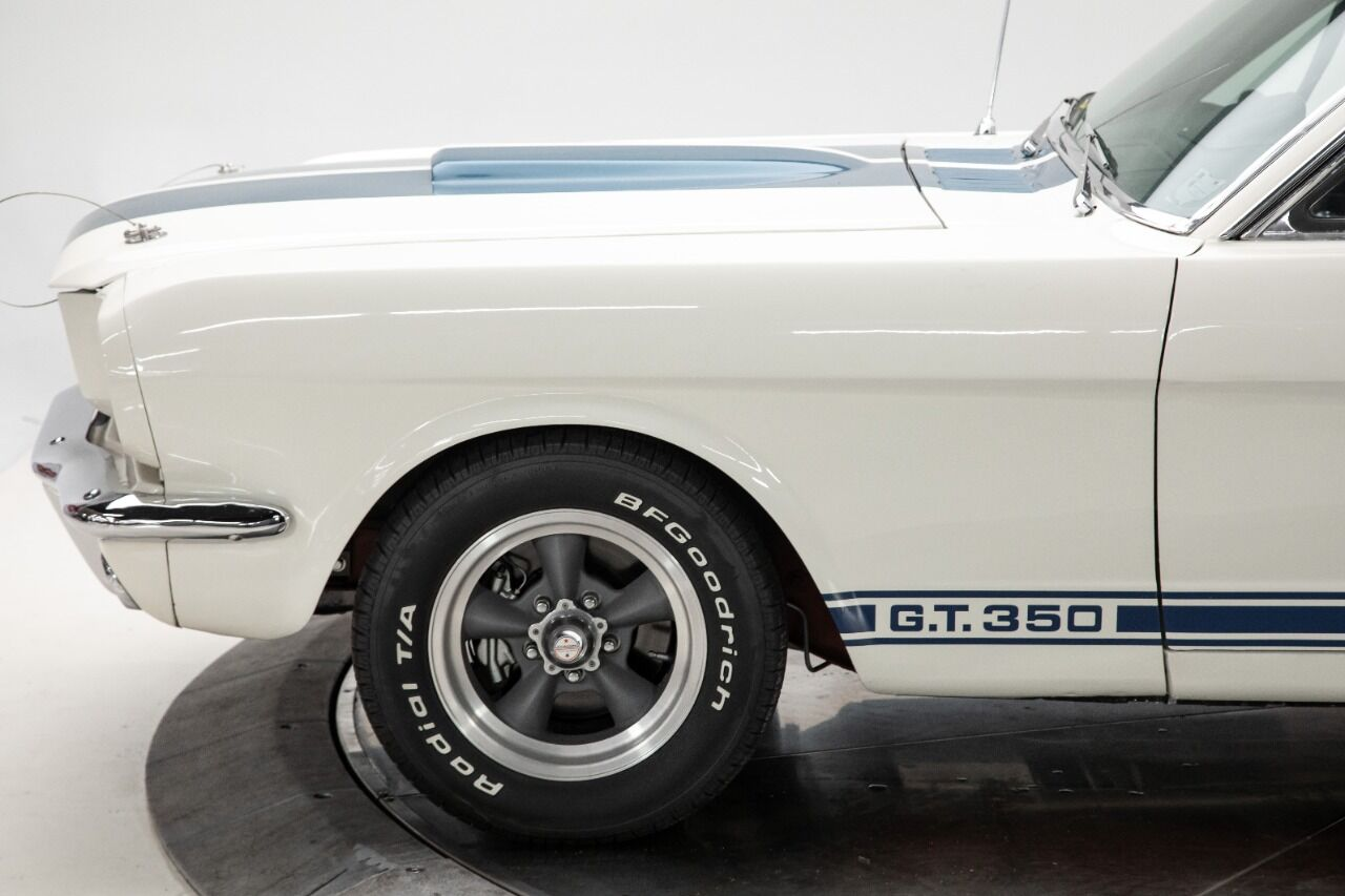 1965 Ford Mustang 17