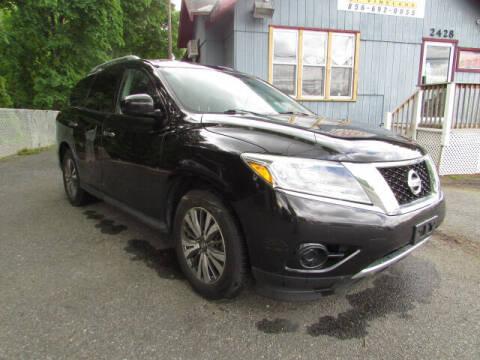 2015 Nissan Pathfinder for sale at Auto Outlet Of Vineland in Vineland NJ
