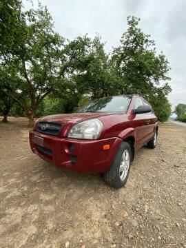 2006 Hyundai Tucson for sale at M AND S CAR SALES LLC in Independence OR