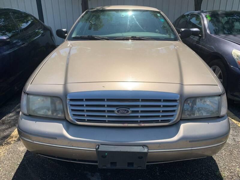 2004 Ford Crown Victoria for sale at Magic Auto Sales - Cash Cars in Dallas TX