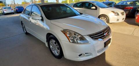 2011 Nissan Altima for sale at Divine Auto Sales LLC in Omaha NE
