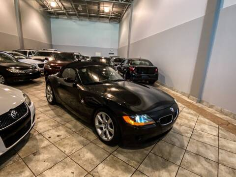 2003 BMW Z4 for sale at Super Bee Auto in Chantilly VA