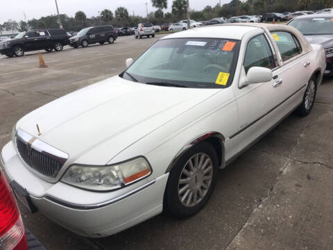 2003 Lincoln Town Car for sale at Kansas Car Finder in Valley Falls KS