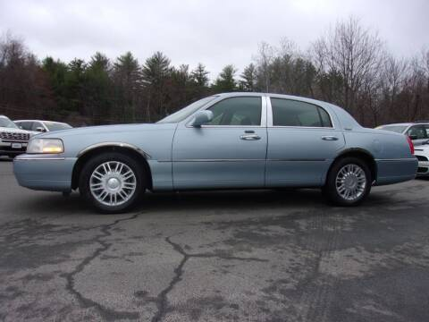 2010 Lincoln Town Car for sale at Mark's Discount Truck & Auto Sales in Londonderry NH