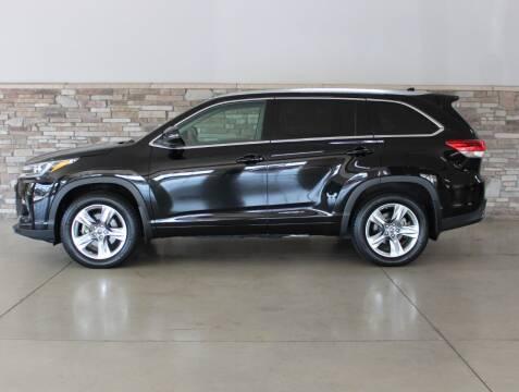 2018 Toyota Highlander for sale at Bud & Doug Walters Auto Sales in Kalamazoo MI