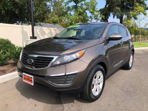 2012 Kia Sportage for sale at Matthews Motors LLC in Auburn WA