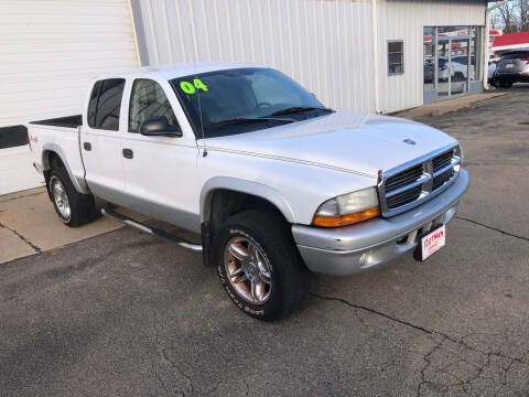2004 Dodge Dakota for sale at ROTMAN MOTOR CO in Maquoketa IA