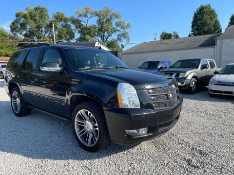 2012 Cadillac Escalade for sale at Davidson Auto Deals in Syracuse IN